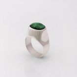 Silver signet ring, set with Malachite